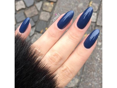 Winter Nights, Vinylux #257