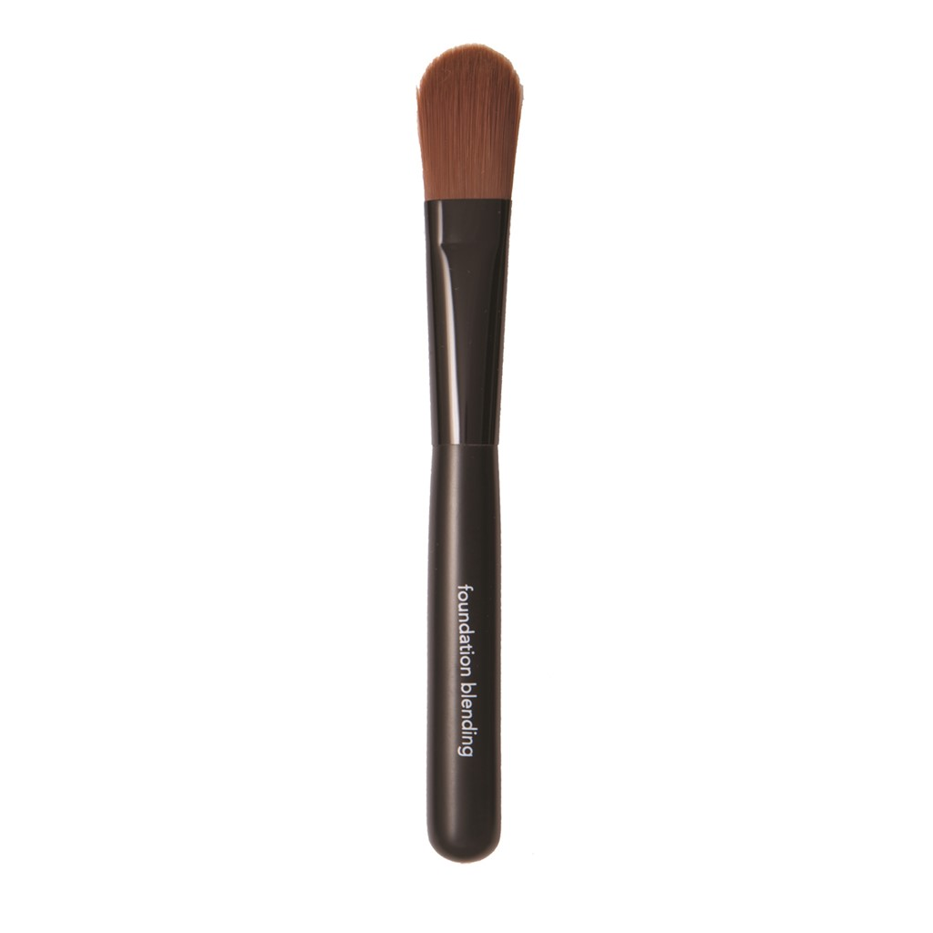 Brush Foundation Blending